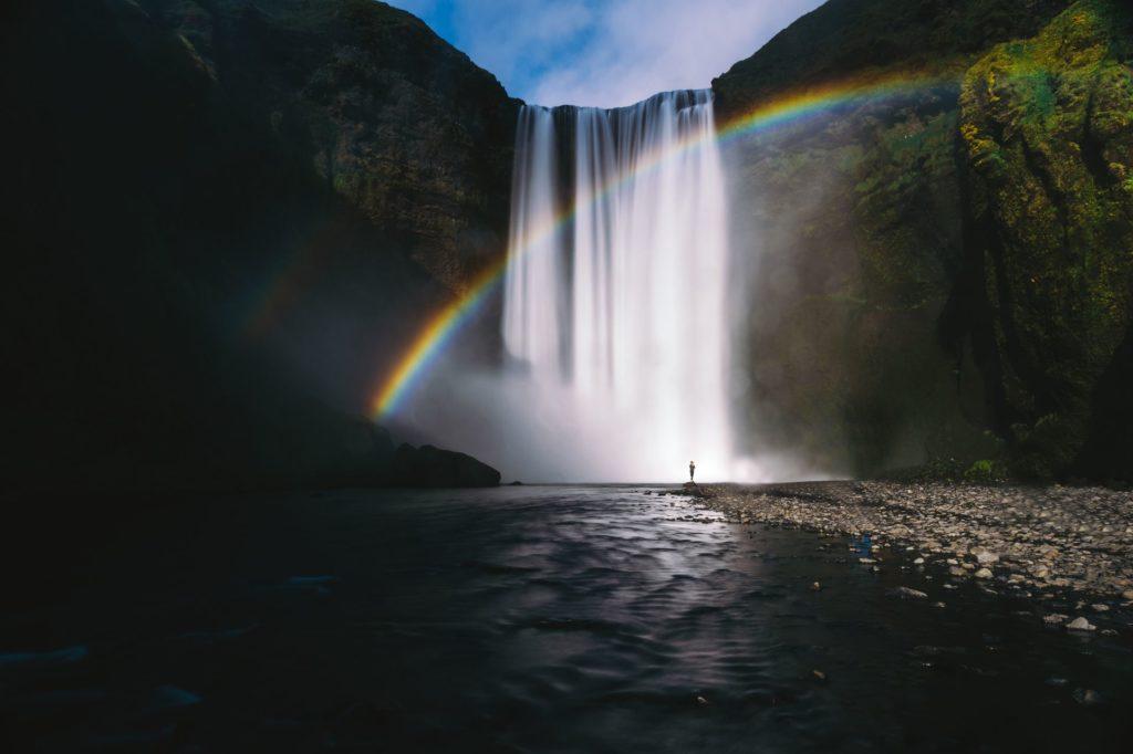 SoulMatters waterval met regenboog